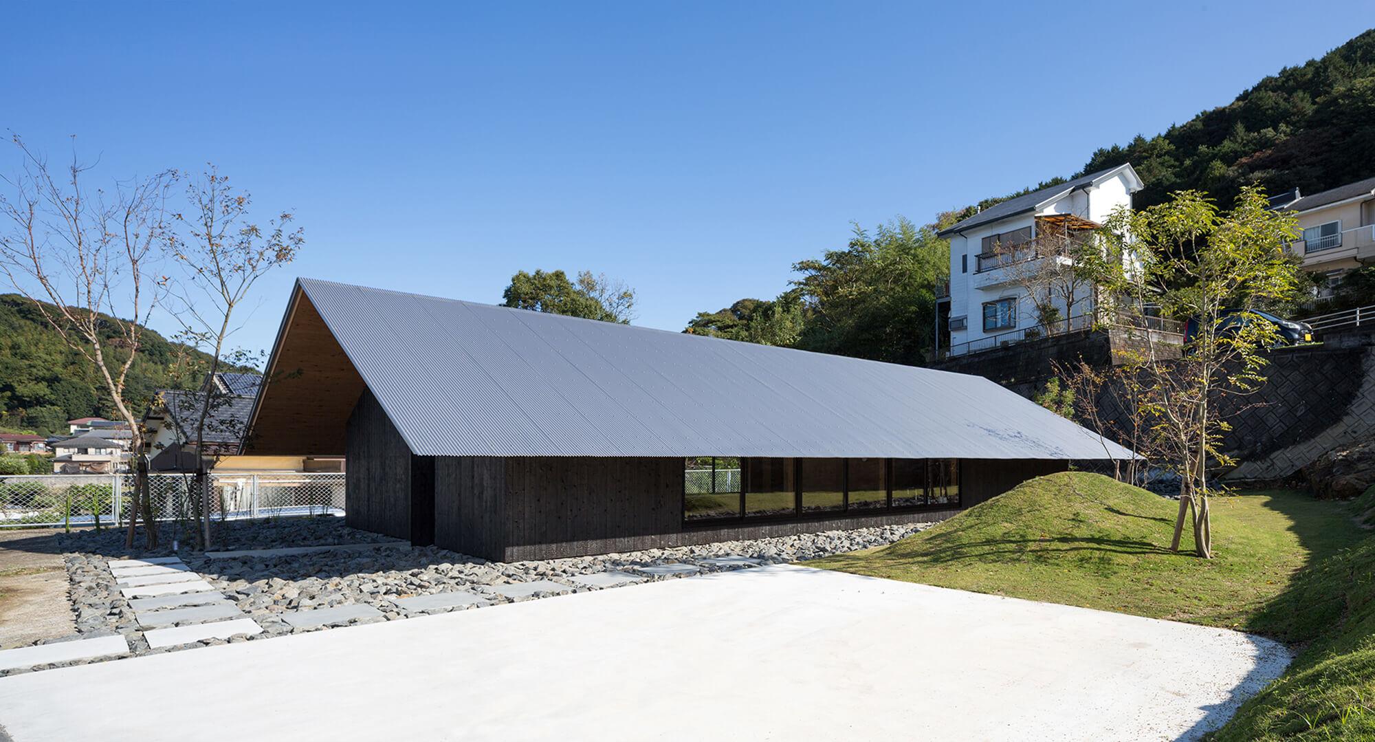 『大屋根の棲家』-長崎県佐世保市-建築写真・竣工写真・インテリア写真2