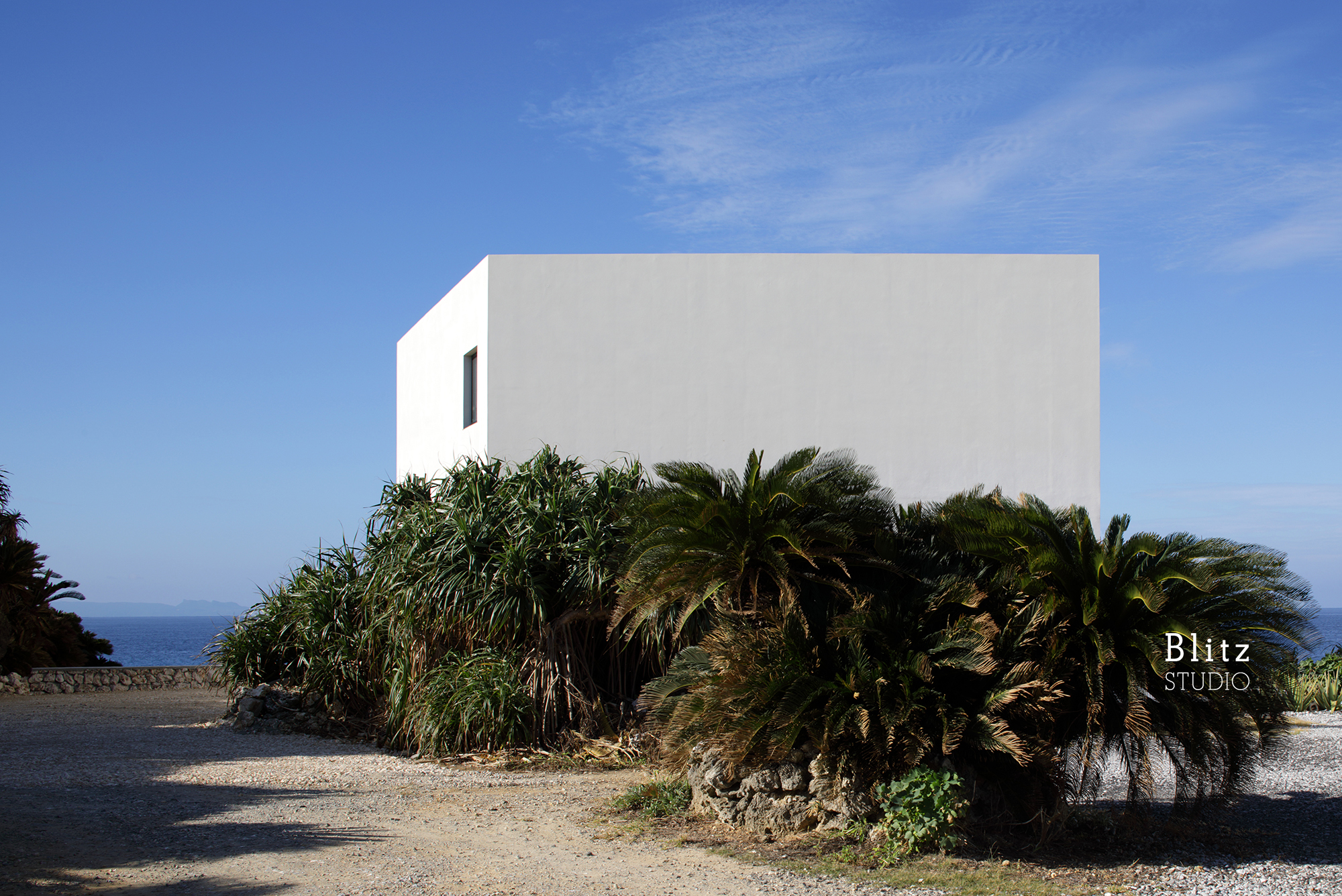 『与論島の家』-鹿児島県与論町-建築写真・竣工写真・インテリア写真3