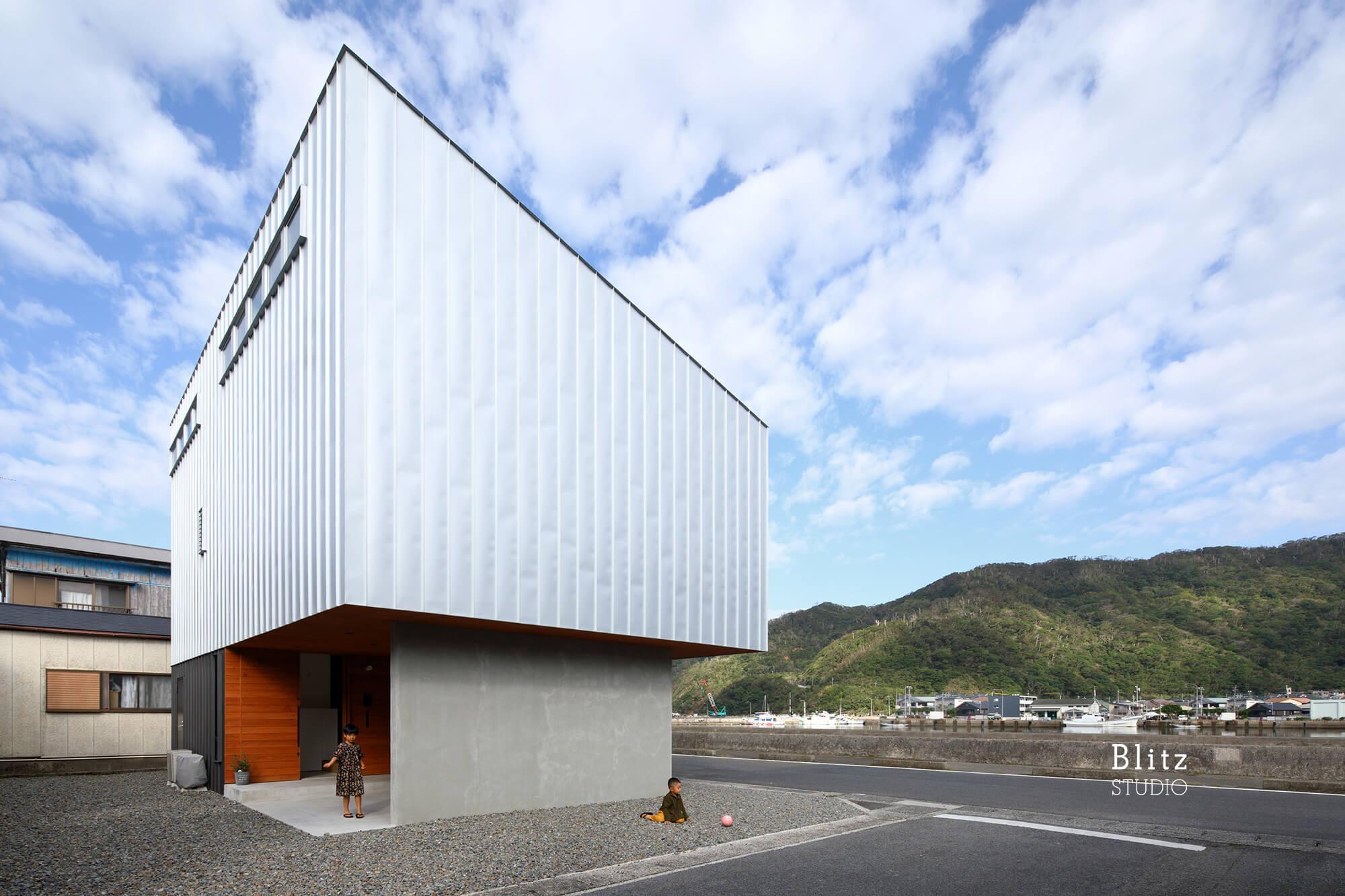 『名瀬鳩浜の家』-鹿児島県奄美大島-建築写真・竣工写真・インテリア写真2