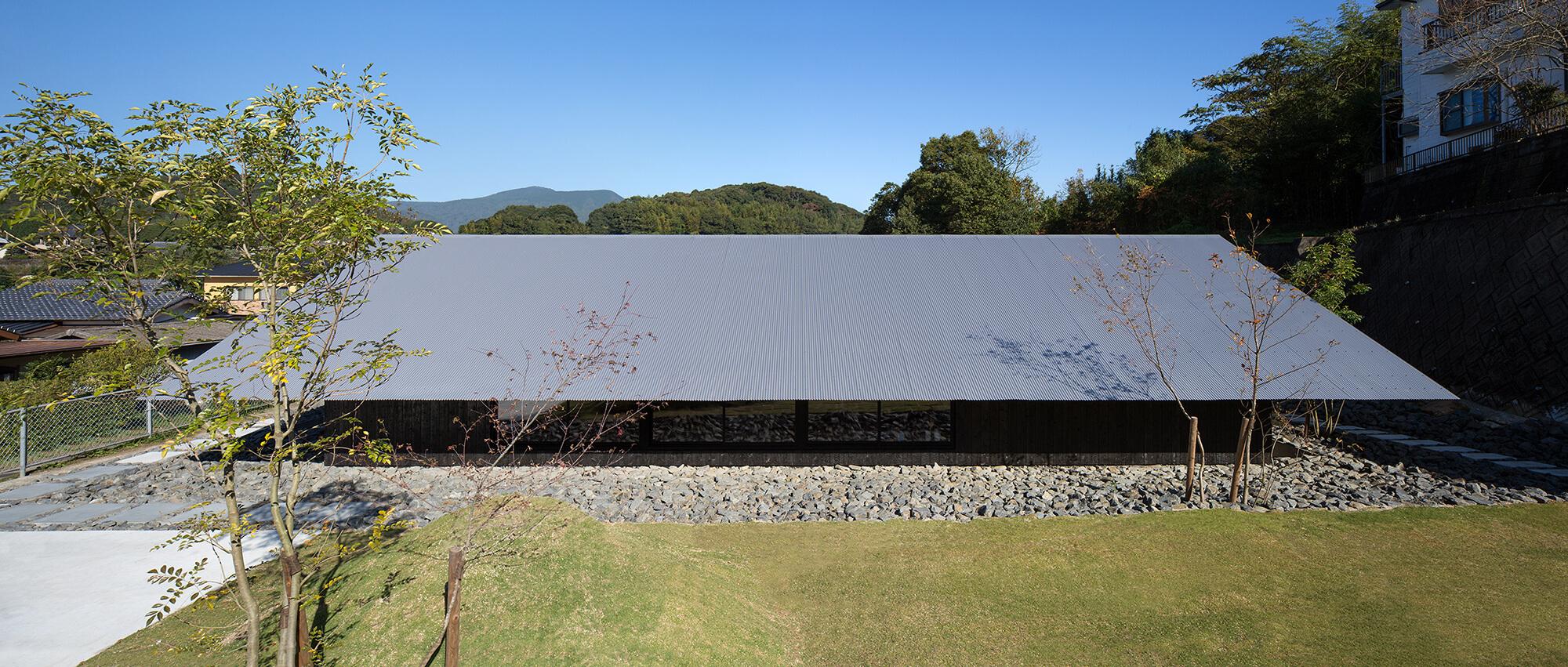 『大屋根の棲家』-長崎県佐世保市-建築写真・竣工写真・インテリア写真3
