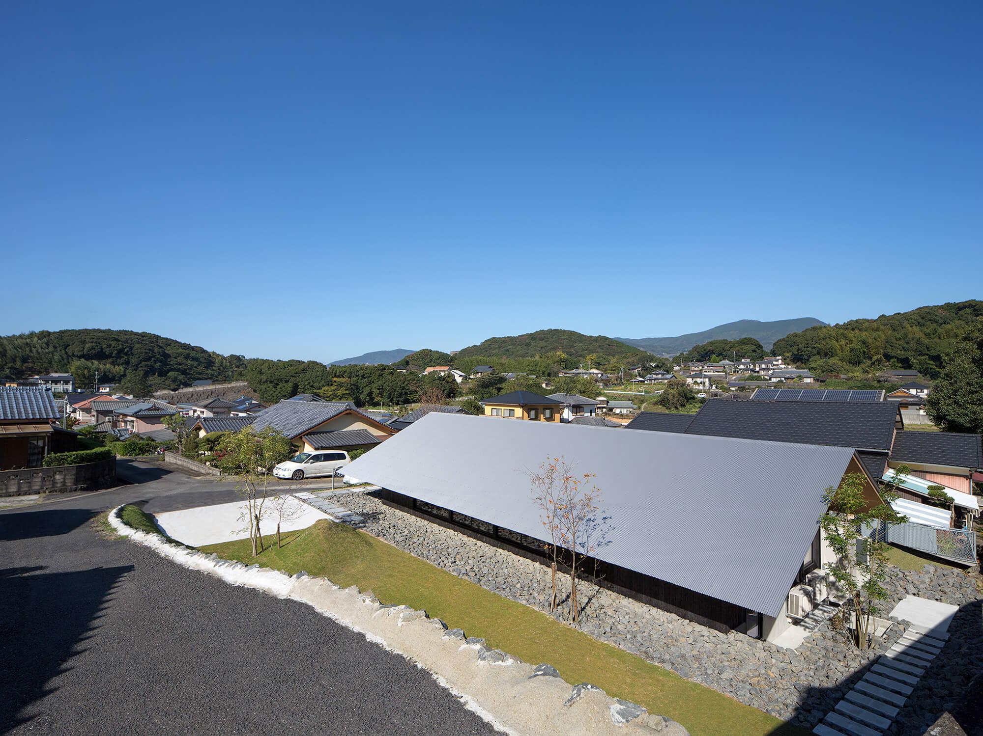 『大屋根の棲家』-長崎県佐世保市-建築写真・竣工写真・インテリア写真1