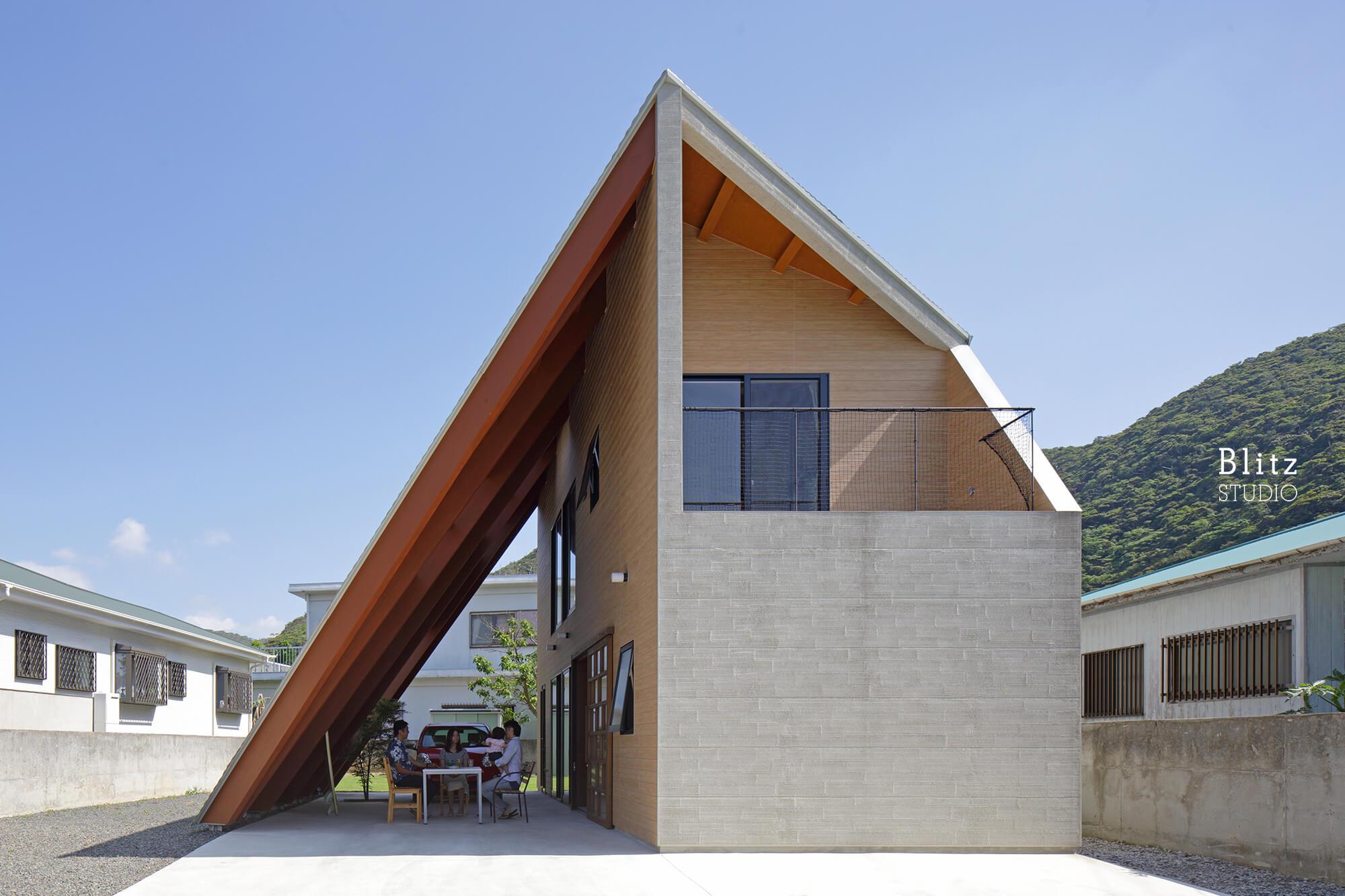 『大屋根の家』-鹿児島県奄美大島-建築写真・竣工写真・インテリア写真1