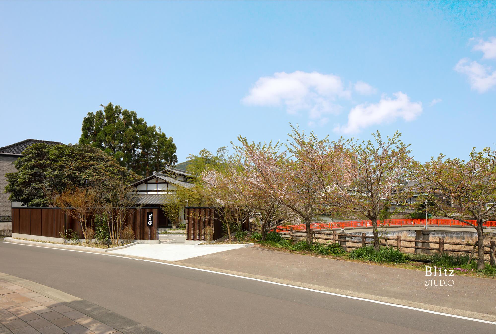 『嬉野鉄板焼えん』-佐賀県嬉野市-建築写真・竣工写真・インテリア写真1