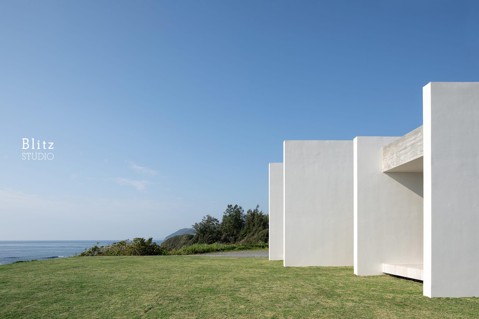 『太平洋を望む家』-鹿児島県奄美大島-建築写真・竣工写真・インテリア写真1