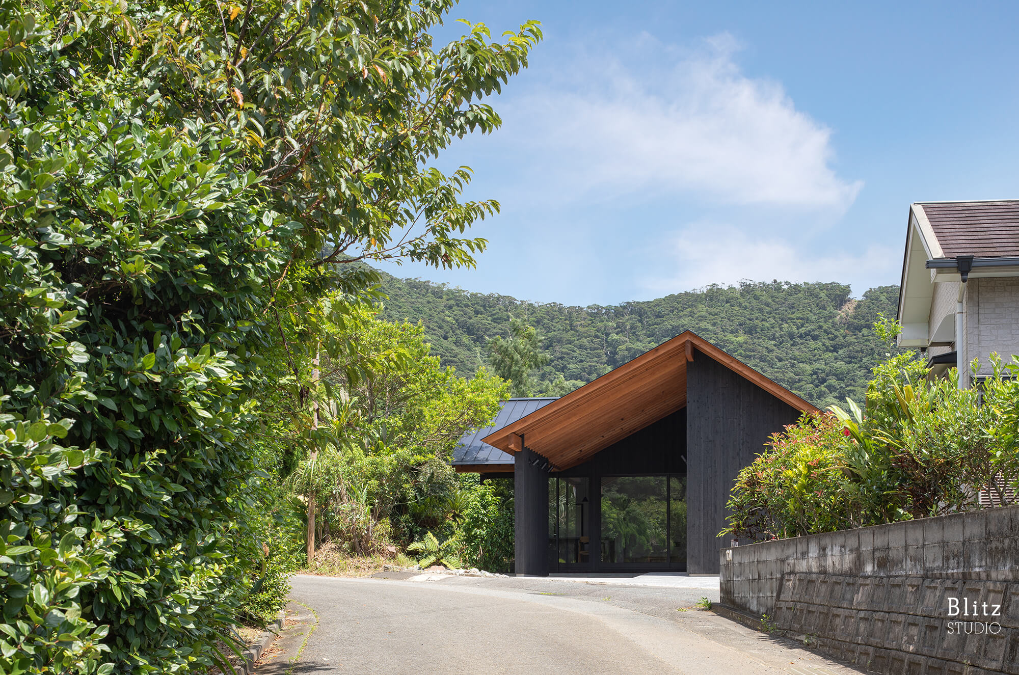 『浦の家』-鹿児島県奄美大島-建築写真・竣工写真・インテリア写真1